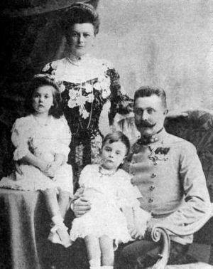 Francisco Ferdinando e família. E aí? Com qual dos escoceses ele parece?