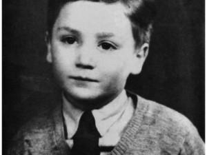 John Lennon ainda criança